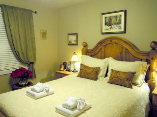 Williams Gate B&B Main Floor Two Bedrooms Suite - Niagara-on-the-Lake vacation rentals