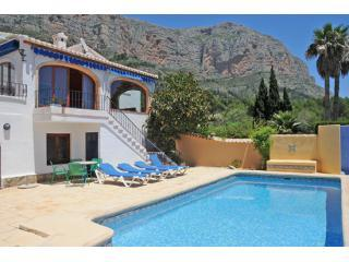 Cool off in the pool after sunbathing on a lounger - Villa Colores Jávea, pool, air-con, valley views - Javea - rentals
