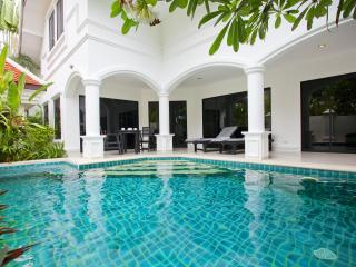 Pattaya - Na Jomtien  Pool Villa 3BED, Na Jomtien - Pattaya vacation rentals