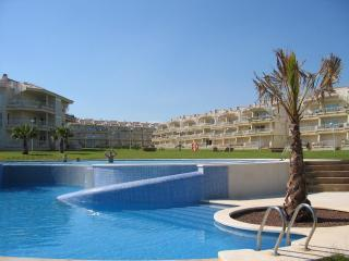 Relax in this beachfront fully-equipped apartment - Alcossebre vacation rentals