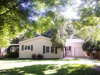 @The Shores Cozy Cottage, Beverly Shores, Indiana - @The Shores Vacation Rental Property - Beverly Shores - rentals