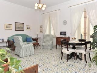 Elegant apartment near the beach in Amalfi Coast - Minori vacation rentals