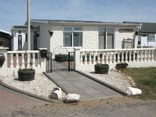 BEACHCOMBER COTTAGE, pet friendly, with a garden in Southerness, Ref 3742 - Dumfries & Galloway vacation rentals