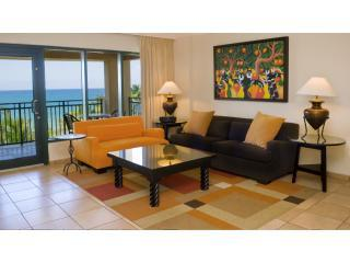 Living room with beautifull view - Beachfront Villa at Wyndham Rio Mar Beach Resort - Rio Grande - rentals