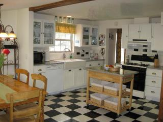 Charming White Cottage in the Heart of Sandpoint - Northern Idaho vacation rentals
