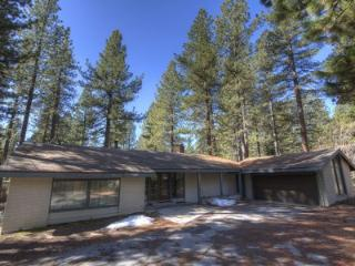 Fabulous House with 2 BR & 2 BA in Incline Village (IVH0669) - Incline Village vacation rentals