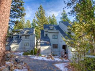 Gorgeous 2 Bedroom & 2 Bathroom Condo in Incline Village (WDC0642) - Incline Village vacation rentals