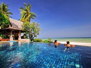 Baan Sarika Luxury Beachfront Villa - Lamai Beach vacation rentals