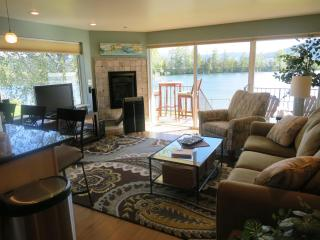 Bridgeview Watertfront Condo w/boat slip available - Northern Idaho vacation rentals
