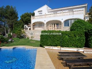 Casa Grande - Alcalali Sleeps 2 to10 - Jalon vacation rentals