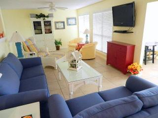 Golf Villa, Private Beach, Wi-Fi, HDTV, Gas BBQ, Patio, Open Floor Plan, Resort-Wide Tram - Sandestin vacation rentals