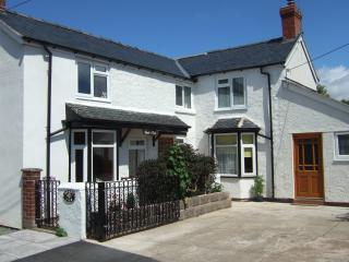 Mount View Cottage in delightful rural Shropshire - Shrewsbury vacation rentals