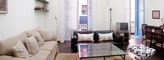 Madrid Gran Via 1: Large lounge, 2 balconies, Very central, Wifi - Image 1 - World - rentals