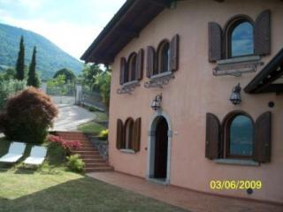 VILLA DANIELA Holiday House Lake Iseo - Bergamo Province vacation rentals