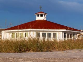 Ocean Glory: Panoramic Views, Beachfront Cottage - Fernandina Beach vacation rentals