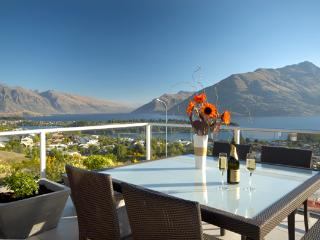 Lake View Villa - luxury Queenstown Hill residence - New Zealand vacation rentals
