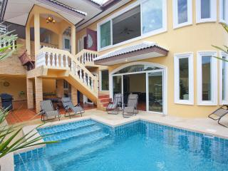 Pattaya - Villa Patiharn Khao Talo 7Bed - Pattaya vacation rentals