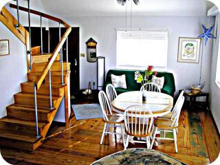Entry and Dining Area - sandy feet's SandBox Inn of South Padre Island, TX - South Padre Island - rentals