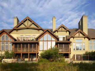 Panache 6brs Ski-in/out Townhomes Billiards Spa - Mont Tremblant vacation rentals