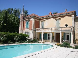 Tarascon Manor House Holiday Villa rental in Tarascon - Provence - Rent this villa with Rentavilla.com - Tarascon vacation rentals