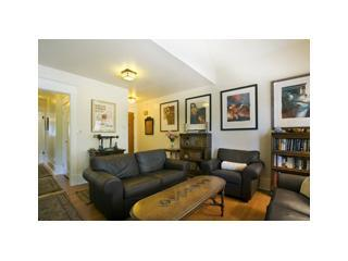 Living Room Area - Luxury Suites in Restored Heritage Classic - Vancouver - rentals