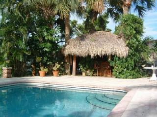 Waterfront Tropical Oasis --Owners Live Next Door - Fort Lauderdale vacation rentals