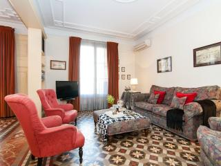Dandi, luxury 3 BR apt next to Passeig de Gràcia - Catalonia vacation rentals