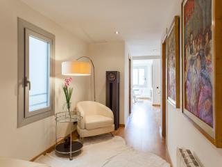 30% off - Pg de Gràcia Designer 3BR - Catalonia vacation rentals