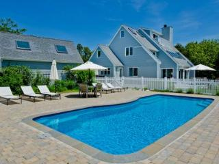 LUXURIOUS CONTEMPORARY WITH POOL AND HOT TUB NEAR SOUTH BEACH - KAT SCHU-15 - Edgartown vacation rentals