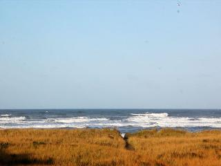2-Bedroom, Pet Friendly Oceanfront Condo with Awesome Views! - Southern Washington Coast vacation rentals