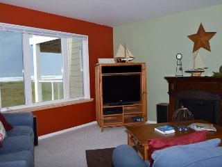 2-BD Oceanfront Condo - Amazing Ocean View! - Westport vacation rentals