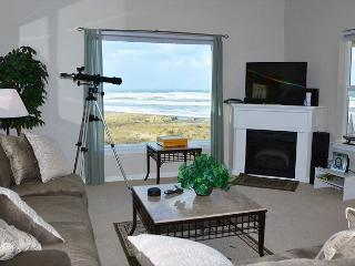 Amazing Views from this Luxury Oceanfront Condo - Dogs Welcome! - Westport vacation rentals