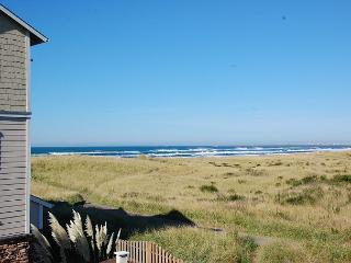 Beautiful 1-BD beach home!  Walk to beach & lighthouse! - Westport vacation rentals