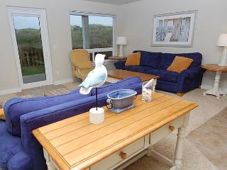 Oceanfront Luxury Condo, Step off your Patio onto the Dunes! - Southern Washington Coast vacation rentals
