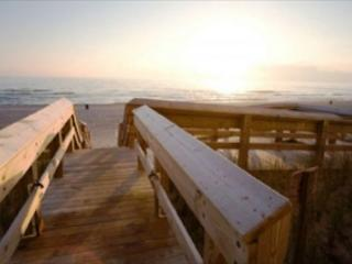 BEACHFRONT FOR 6! GREAT VIEWS! OPEN SPACES! TAKE 10% OFF SEPT & OCT DATES! - Panama City Beach vacation rentals