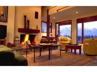 Central Queenstown Apartment at Brunswick Lodge - New Zealand vacation rentals