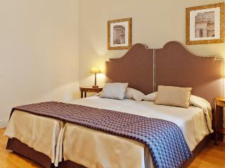 Apartment Rental in Rome City, Historic Center - Napoli 1 - Castel Gandolfo vacation rentals