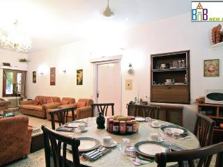 Bed and Breakfast New Delhi - Free Wifi & BKFT - National Capital Territory of Delhi vacation rentals