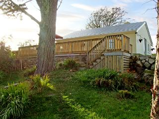 2 CLANCY COTTAGES, family friendly, with a garden in Kilkieran, County Galway, Ref 3707 - County Galway vacation rentals