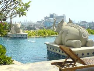 One bed apartment, great location,river view,WiFi - Bangkok vacation rentals