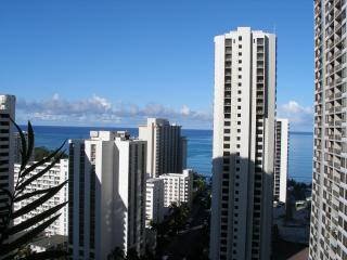 BEAUTIFUL OCEAN VIEW WAIKIKI BANYAN CONDO - Honolulu vacation rentals
