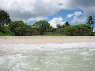 Kailua Beach House 6+BR, Beachfront, Pool - Honolulu vacation rentals