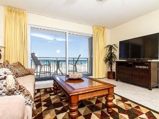 PI 117:Nicely UPDATED beachfront condo-Gulf view,Pool, Free Beach Service - Fort Walton Beach vacation rentals