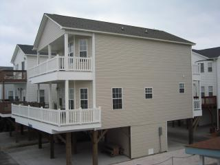 OCEANVIEW BEACH HOUSE /COME FOR A  WEEK OR MONTH!! - Myrtle Beach vacation rentals