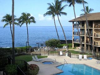 Ocean Front Community 2 bedroom with loft! - Kailua-Kona vacation rentals