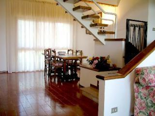 stairs to the attic.JPG - flat in chiantishire - Florence - rentals