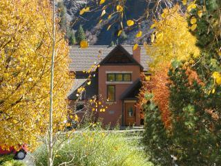 The Riversedge offers you wonderful privacy - OUR PLEDGE: Durango's most luxurious river retreat - Durango - rentals