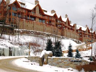 Altitude Ski-in/out 3brs @ Tremblant Resort - Mont Tremblant vacation rentals