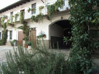 B&B Antica Corte Milanese - Novate Milanese vacation rentals