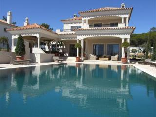 DDBC - Luxury 4 Bedroom Villa - Faro vacation rentals